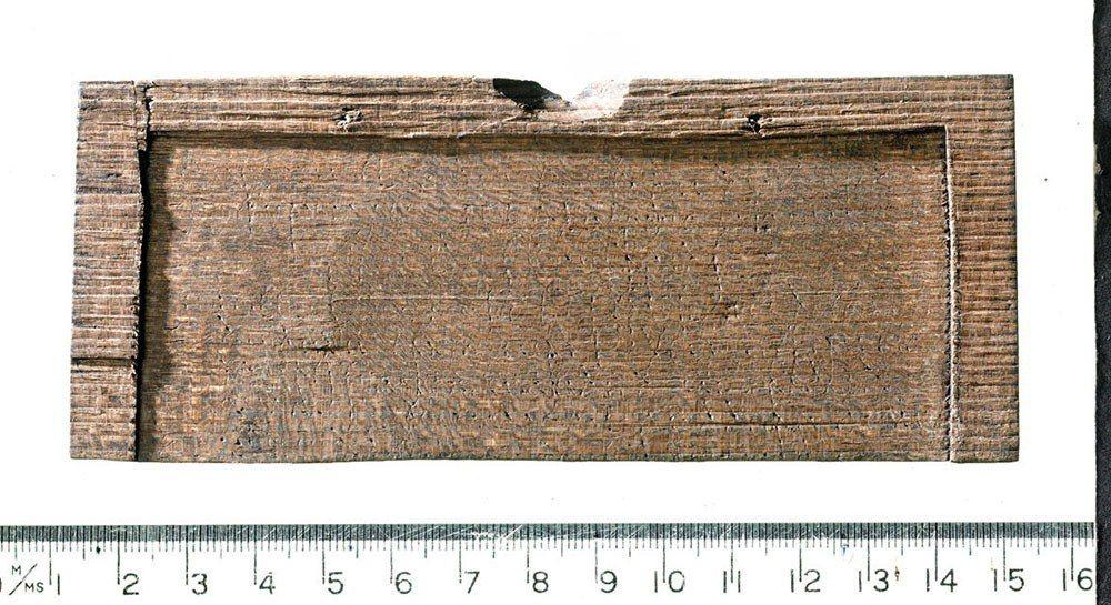 寫於西元57年1月8日的刻字木板,是倫敦已出土的刻字木板中年代最早的。