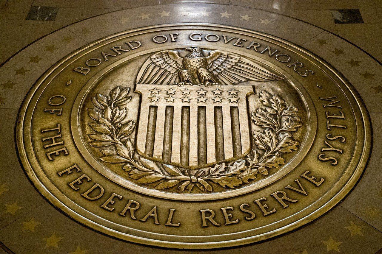 Fed最新褐皮書指出,美國經濟擴張呈現緩和到溫和,物價漲溫和,可能提高投資人對F...