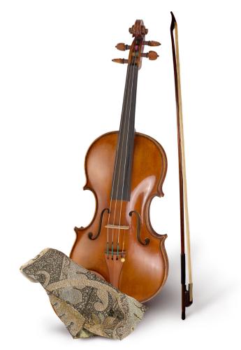 羅素克洛在「怒海爭鋒:極地征伐」中用過的19世紀小提琴。圖/摘自蘇富比官網