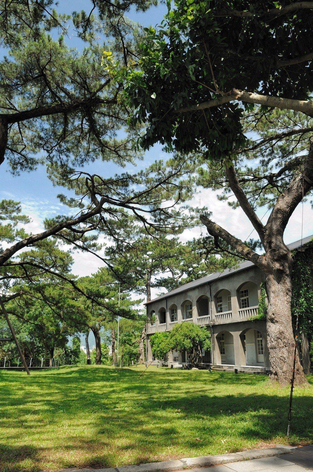 花蓮松園別館日式建築搭配茂密松林,別有一番風味。圖/福容飯店提供