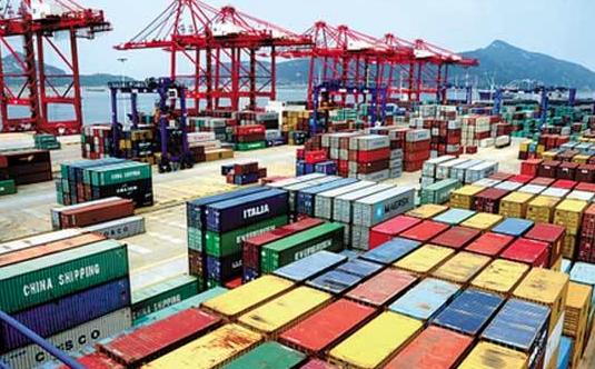 大陸今年2月出口1,716.2億美元,進口1,378.8億美元,分別年增44.5...