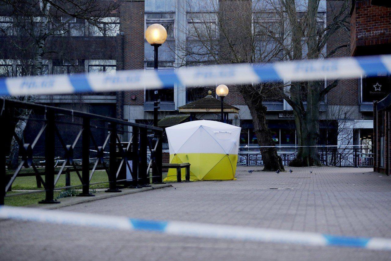 圖說:英國警方7日在前俄羅斯雙面間諜史柯里帕(Sergei Skripal)及其...