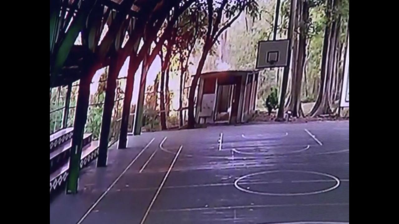 軍方無人機墜毀在屏東武潭國小,瞬間爆炸火光驚人。記者蔣繼平/翻攝