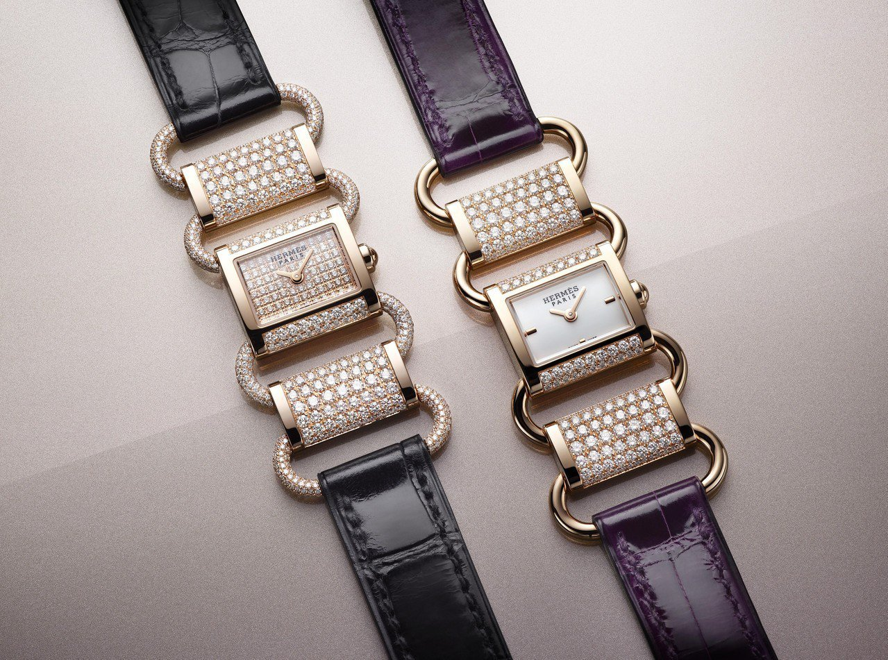 愛馬仕Klikti玫瑰金珠寶腕表,(左)全鑲鑽款251萬1,100元;(右)部分...