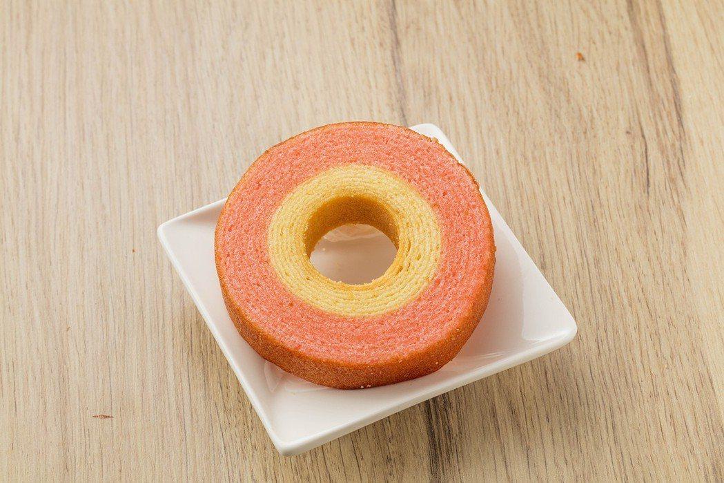 草莓牛奶年輪蛋糕,售價30元。圖/全聯提供