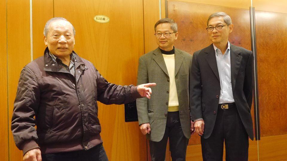 洪騰勝(左起)、吳誠文、張榮基全力推廣軟式棒球,首屆大專盃全國軟式棒球賽4月開打...