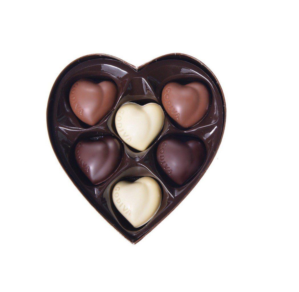 金裝巧克力心形禮盒6顆裝,售價680元。圖/GODIVA提供