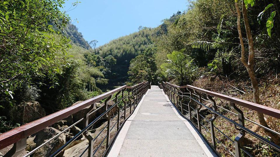 圓潭自然生態園區的無障礙賞螢步道。圖/阿里山管理處提供