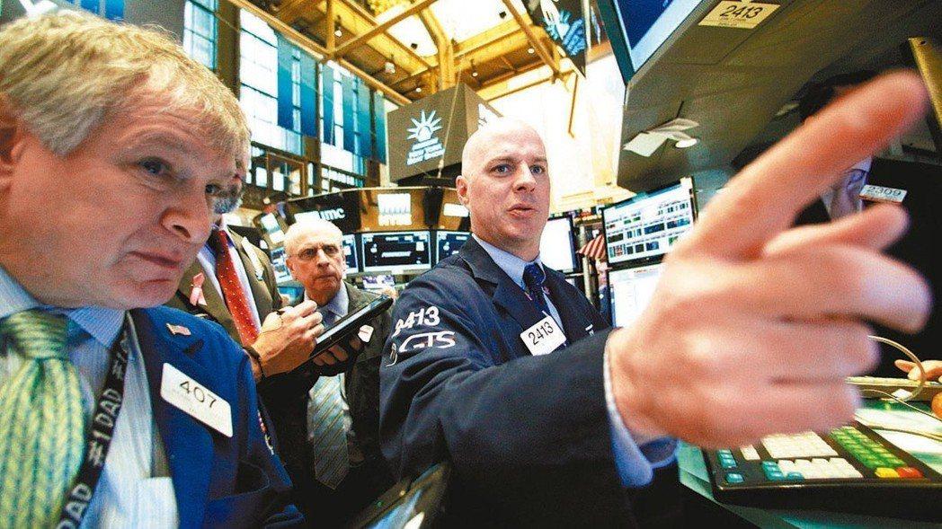 市場預期美國可能加快升息腳步,從原本預估今年升三次變成升息四次。 路透