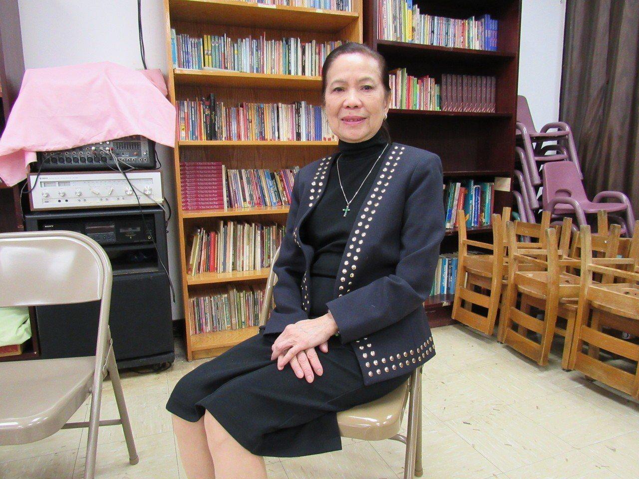 紐約華人社區知名女性社團人士何寶玉,多年來在曼哈頓華埠推動許多慈善事業,幫助有需...
