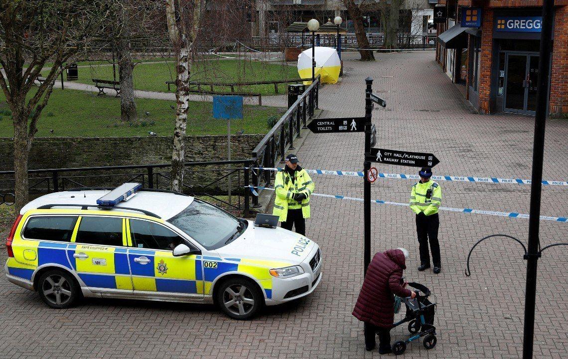 英國警方調查前俄羅斯雙面間諜的神經毒劑攻擊案。 美聯社