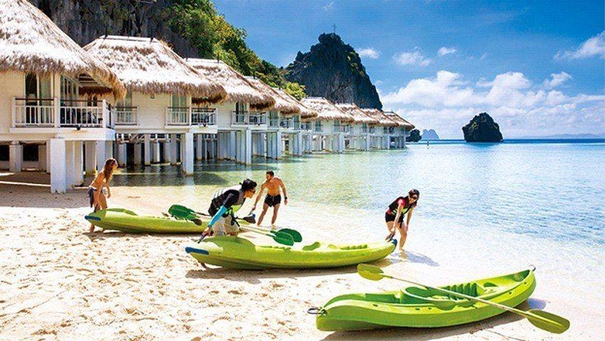 阿普莉房間全是水上屋,打開門直接跳海游泳,或玩獨木舟。(攝影者.陳鴻文)