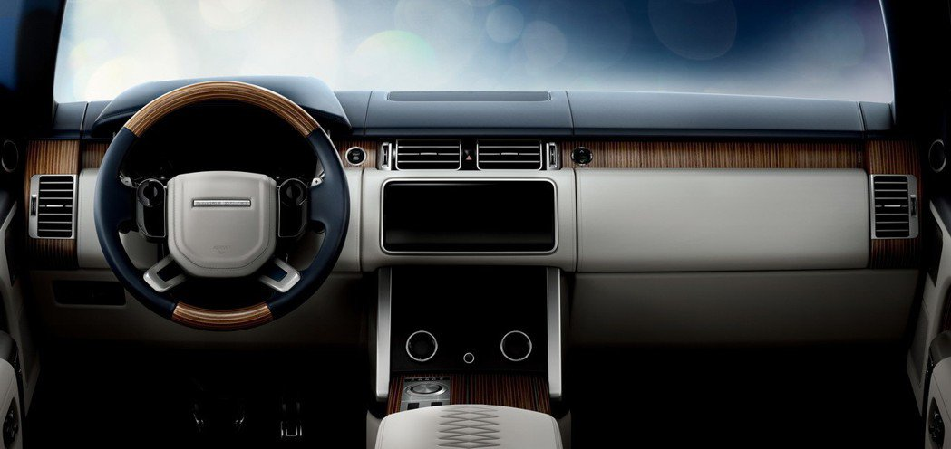 Range Rover SV Coupe 內裝。 摘自Land Rover