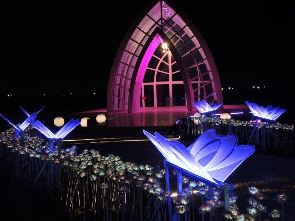 雲嘉南濱海國家風景區管理處為了推廣觀光,將關島海之教會複製成北門水晶教堂。 圖/...