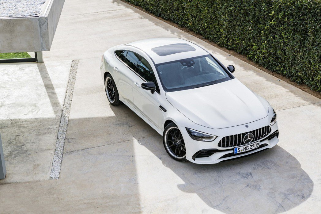 Mercedes-AMG GT53 4MATIC+。 摘自Mercedes