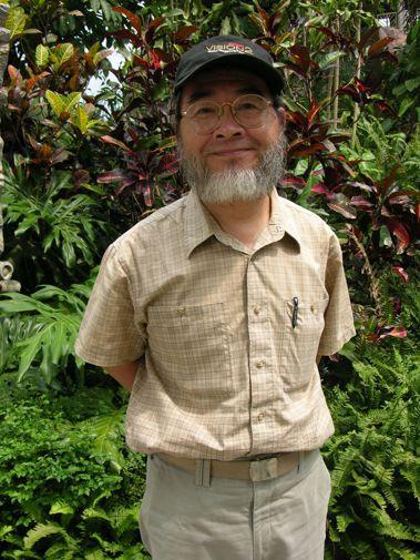 台灣生態紀錄片的「開山祖師爺」劉燕明今天將與林務局簽約,將他36年來拍攝的生態紀...