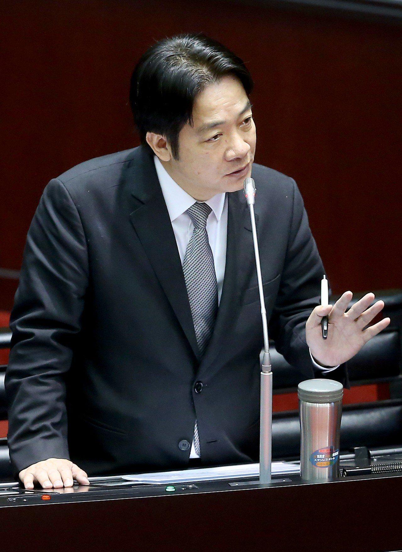 台灣人才流失今天成為立法院焦點話題,行政院長賴清德表示只要台灣根基紮穩,自然能吸...