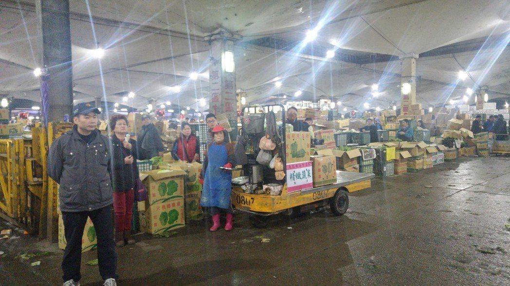 台北果菜批發市場今到貨量大減600多公噸。記者莊琇閔/攝影