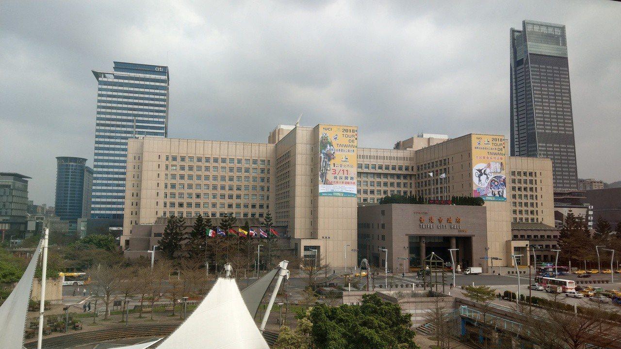 台北市議員王鴻薇發現,台北市1999專線,因公管中心總機第二套交換機系統程式,訊...