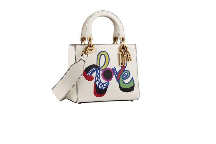 Lady Dior拿鐵白小牛皮Niki de Saint Phalle文字藝術圖...