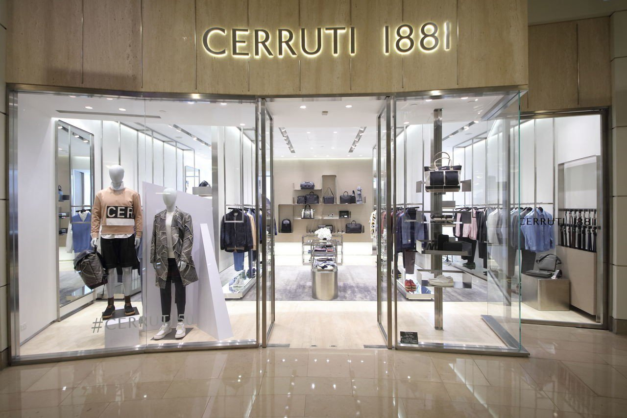 CERRUTI 1881的2018春夏系列於101旗艦店率先上市。圖/CERRU...