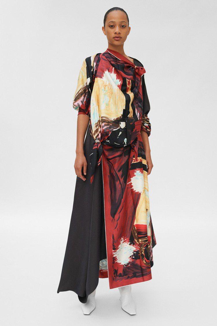 絲巾拼接的洋裝帶來穿搭上的創意與精緻。圖/CÉLINE提供
