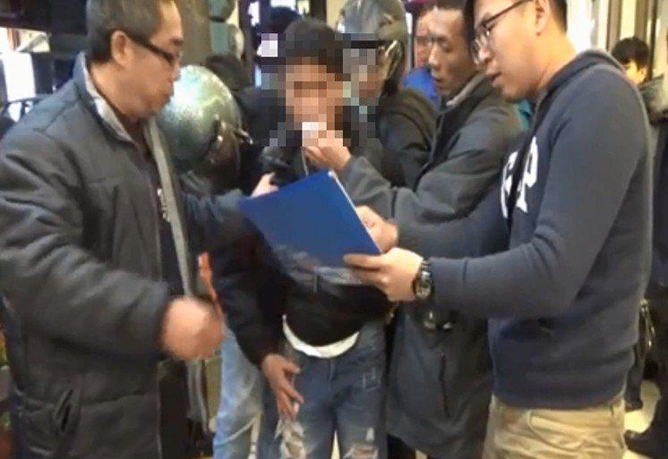 宜蘭一名男子婦女節當天藉口看房子強盜落單女房仲逃逸,昨晚被警方圍捕就逮。圖/警方...
