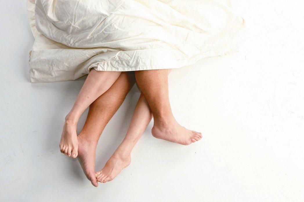 醫師提醒,做愛做的事一定要認真,關心伴侶,更要關心伴侶的身體,不但情感增溫,還有...