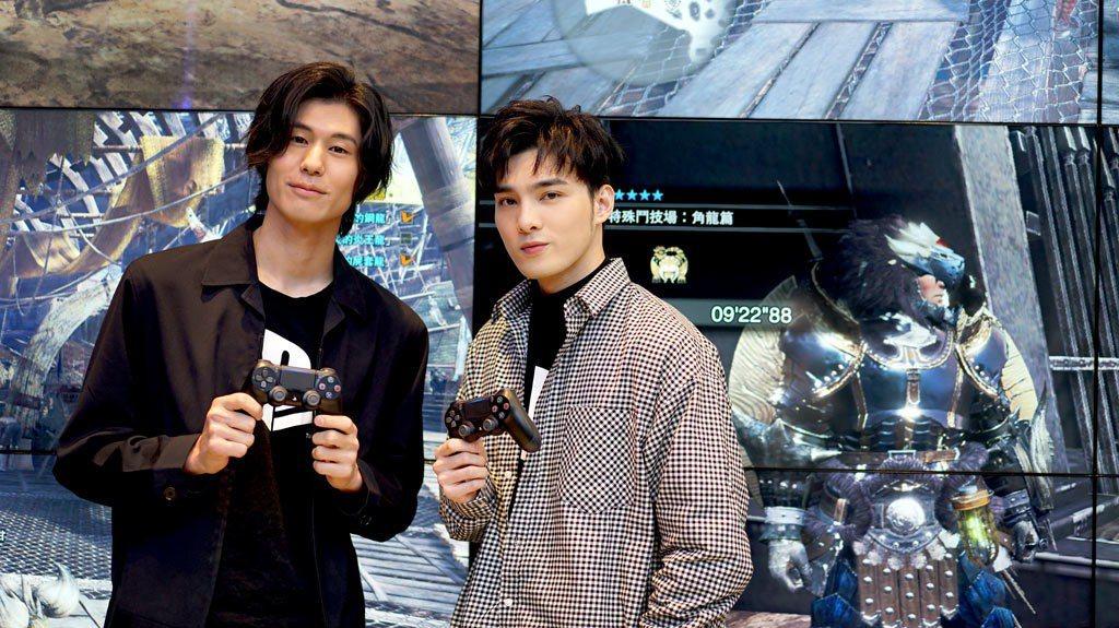 (左起)SpeXial風田、偉晉為全台第一間PlayStation新型態概念店開...