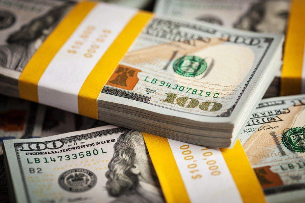 示意圖。根據中國信託商銀調查報告,台灣31萬7215名高資產族,今年總資產規模將...