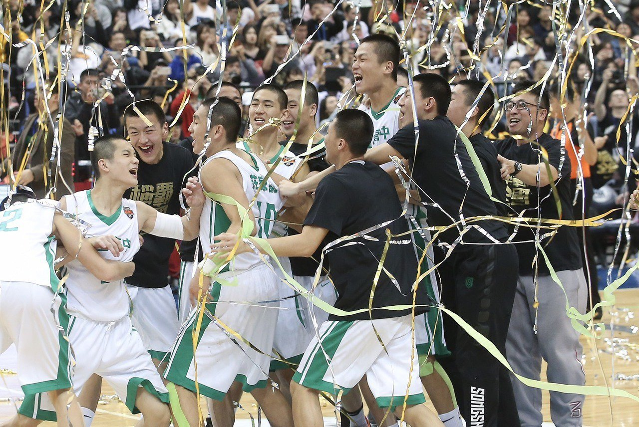 松山高中奪下HBL男子組冠軍,立刻成為全國注目的焦點,新聞熱度甚至超越不少大型賽...