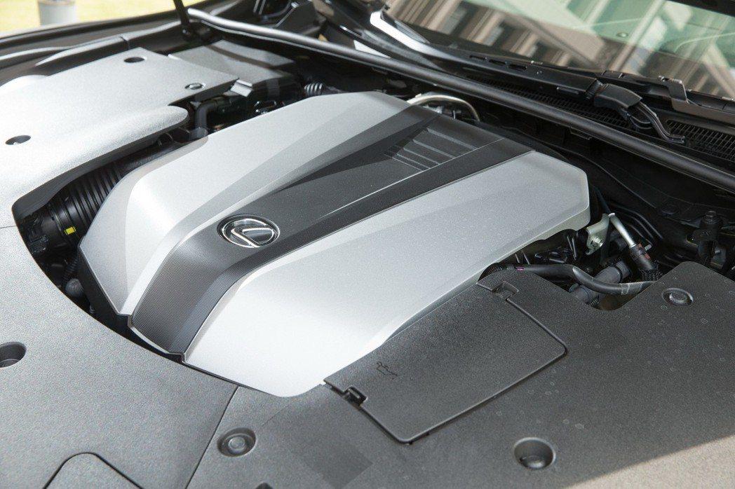 LS 350採用新一代高性能3.5 升 V6 自然進氣引擎。 記者陳立凱/攝影