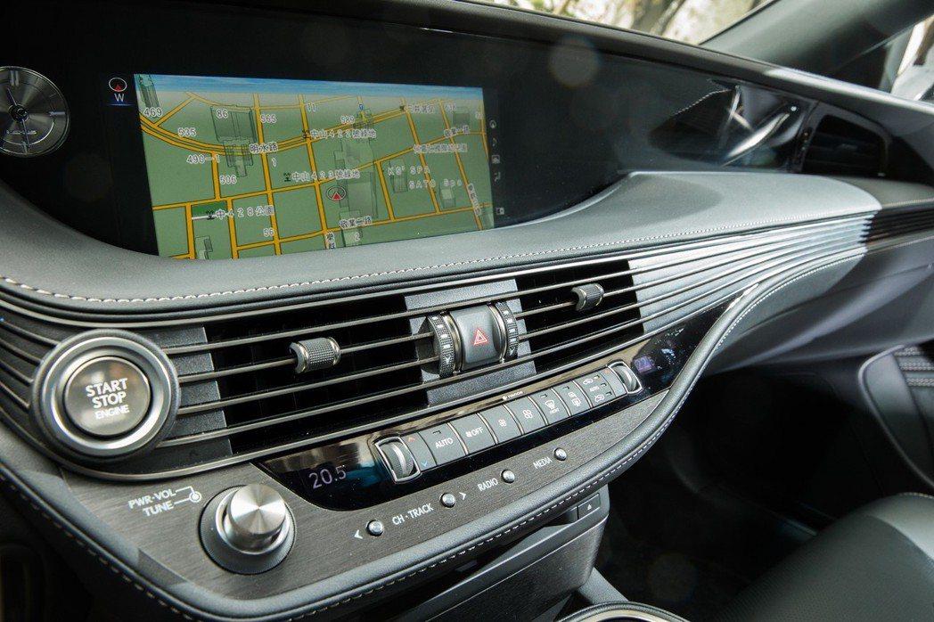 細緻又兼具科技感的內裝,提供更便利的用車體驗。 記者陳立凱/攝影