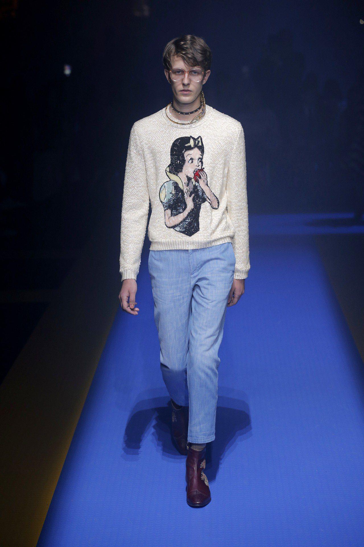 白雪公主亮片毛衣是Gucci 2018春夏系列作品。圖/Gucci提供