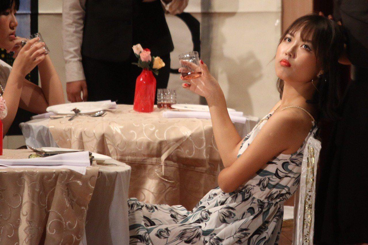 孫沛謙參加學校英語之夜的戲劇演出照片。圖/教育處提供