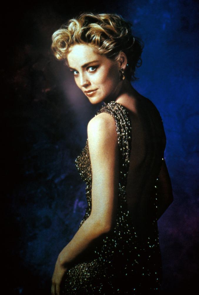 莎朗史東因「第六感追緝令」成為全球著名性感女星。圖/摘自The Red List