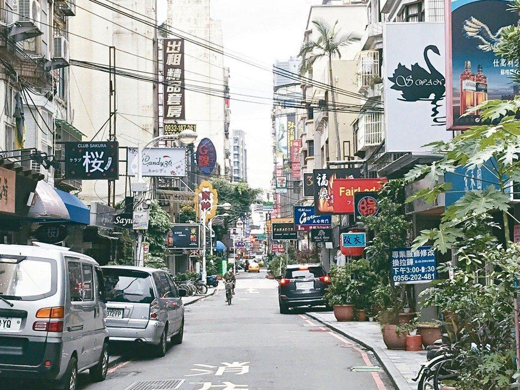 台北市議員周柏雅調閱資料發現,去年北市府警察局受理民眾報案妨礙生活安寧噪音案件,...