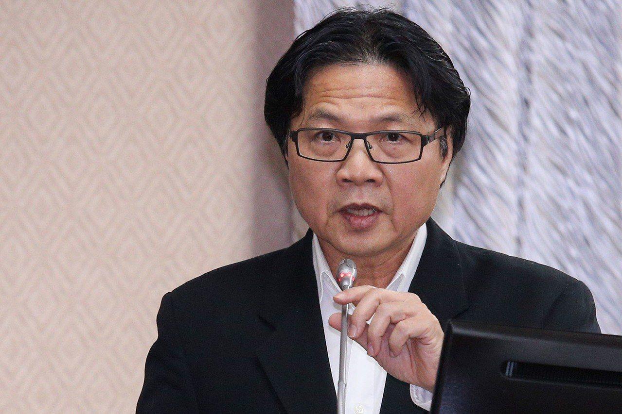 內政部長葉俊榮向基層警察喊話,大家都是為公共利益執行勤務,絕對不是墓園管理員。 ...