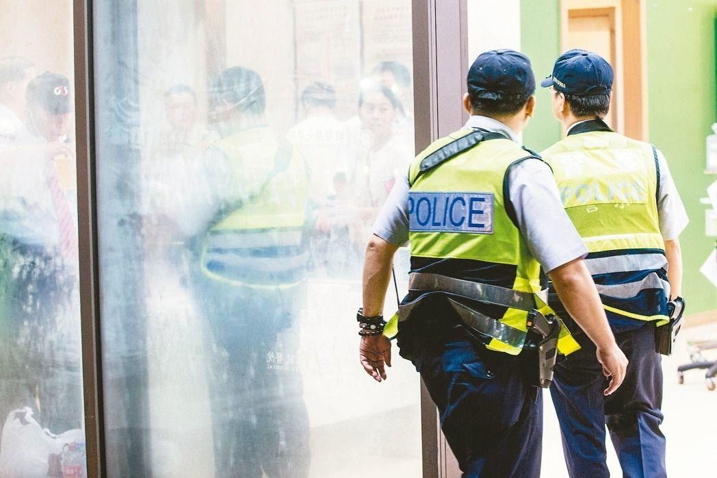 葉毓蘭認為,剛滿20歲、年輕的小警員,一當上管區,其實已掌握很大的權力,轄區業者...