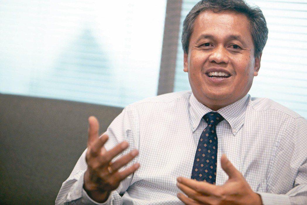 在美國加速升息的可能性漸高,擾亂新興市場貨幣和債券之際,印尼總統佐科威提名副總裁...