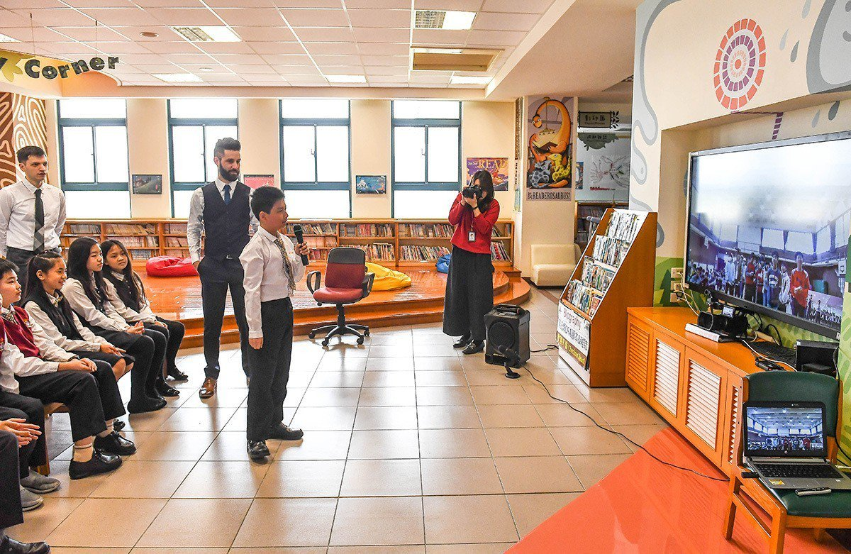 康橋學生與上志津小學學生透過視訊設備相互交流 圖/康橋 提供