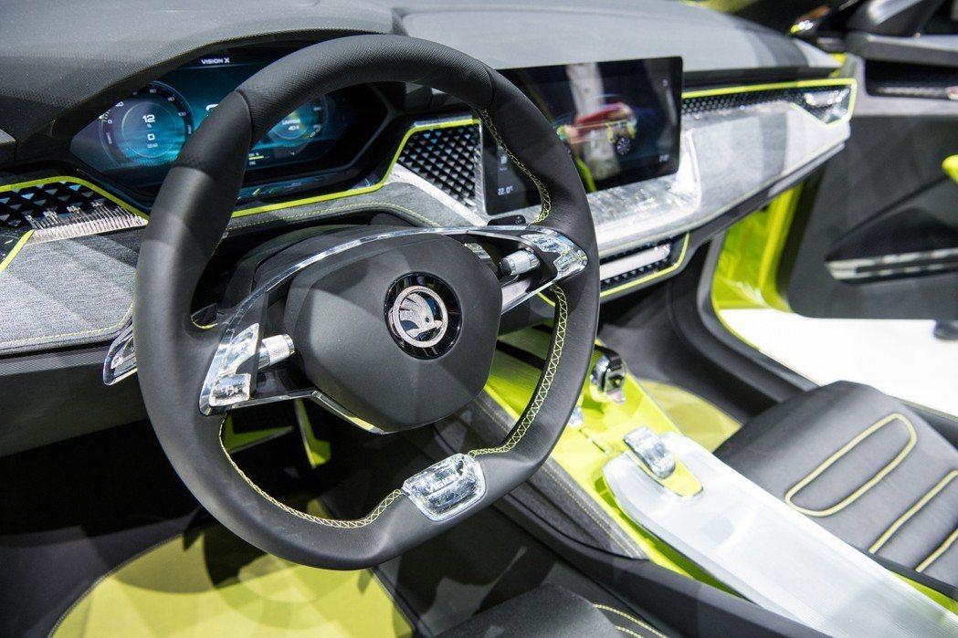 Vision X車室充滿水晶元素。 摘自ŠKODA