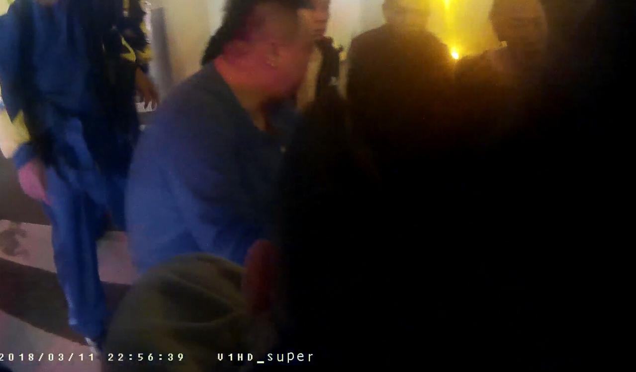台中市昨晚發生行車糾紛,20多人互毆都被帶回派出所。記者游振昇/翻攝