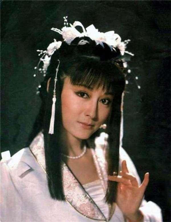潘迎紫演出小龍女時已經35歲。圖/摘自微博