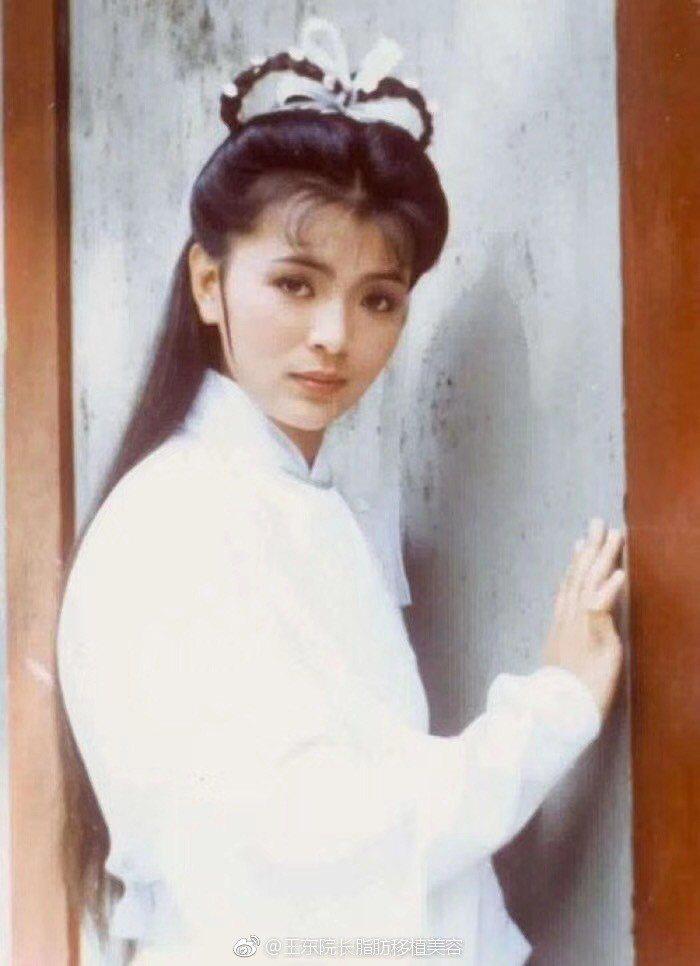 陳玉蓮至今仍是許多影迷心目中最美小龍女。圖/摘自微博