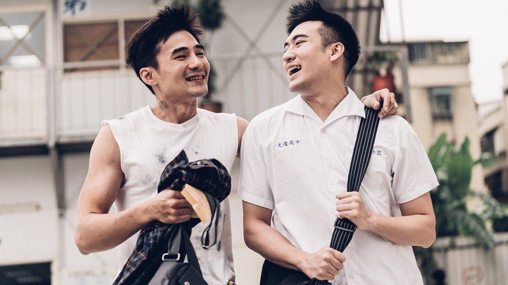 沈建宏(右)與是元介合作「阿青,回家了」。圖/劇組提供