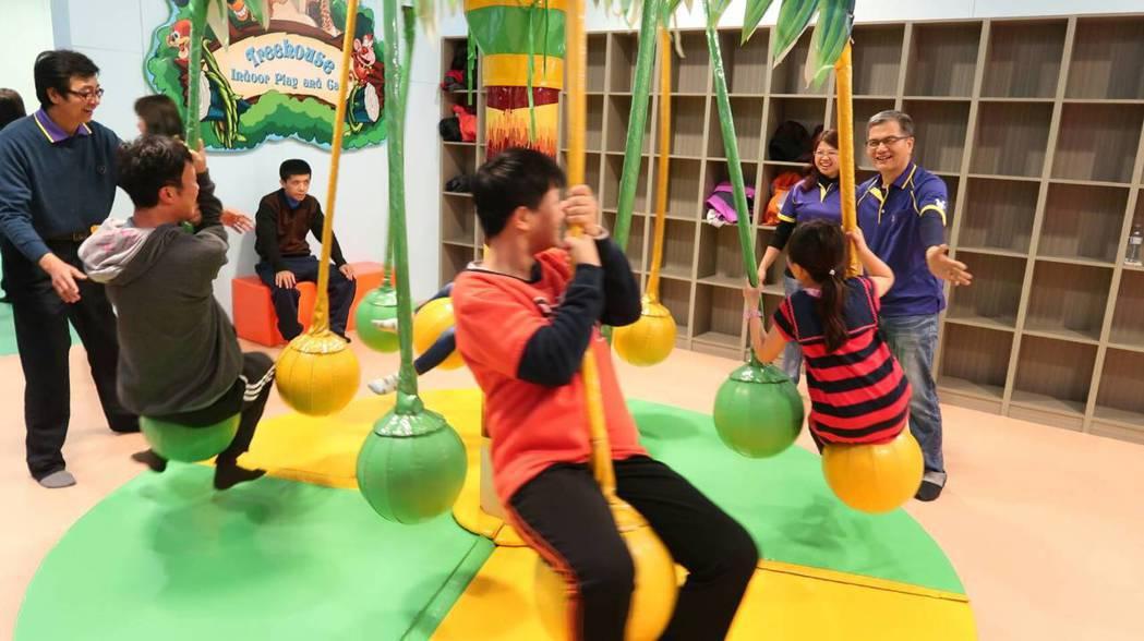 大小朋友們在麻吉樂園玩得很開心。圖/郭皇志提供