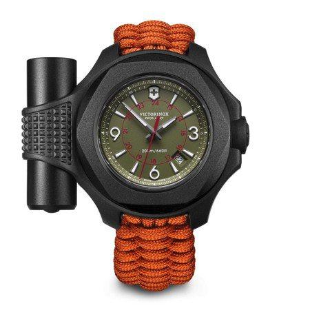 瑞士維氏I.N.O.X系列碳纖維限量版腕表,限量200只,約36,000元。圖/...