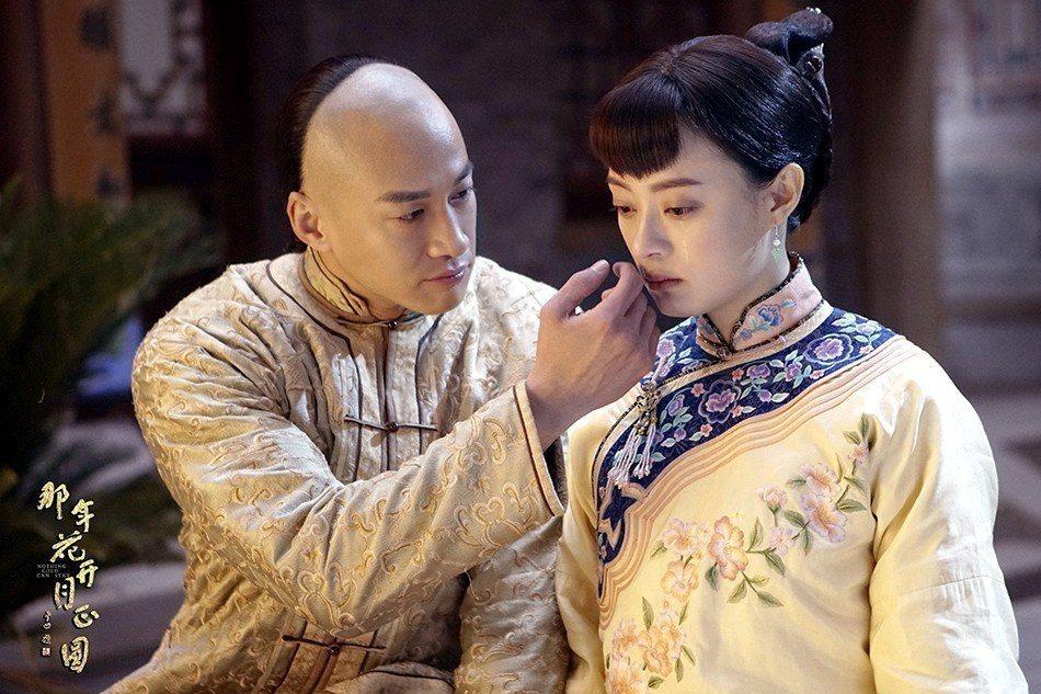 孫儷(右)讚何潤東私下也是暖男。圖/八大提供