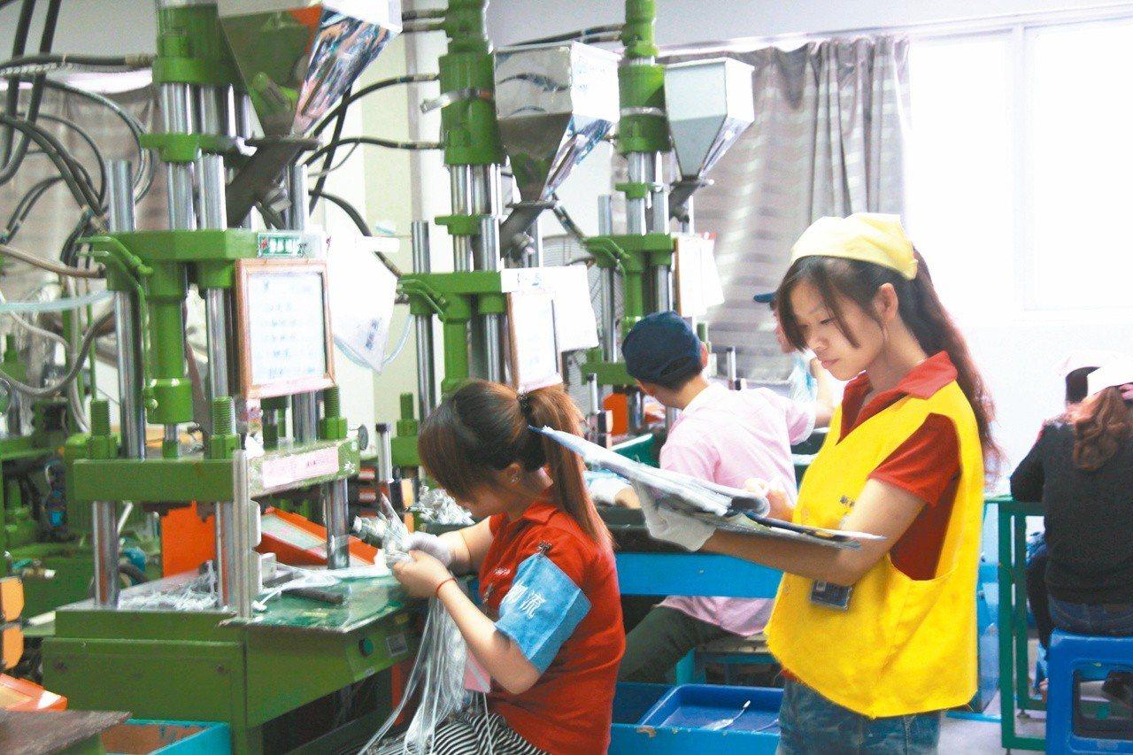 大陸勞工過勞情況嚴重。(本報系資料照片)